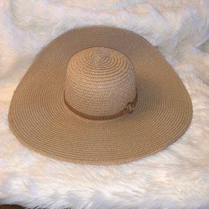 Brown 100% Straw Paper Beach Hat Worn Once